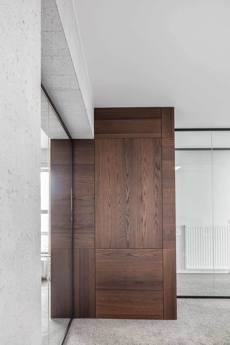 LCM Office-43