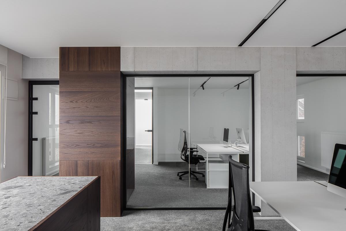 LCM Office-48